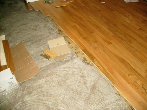 Il parquet pavimenti in legno per una vita roma anzio - Parquet prefinito incollato ...